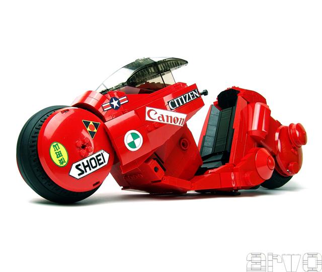 AKIRAとLEGOのコラボ!AKIRAで登場するバイクがLEGOに!
