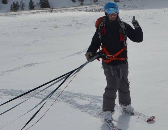 スキーで山を下るのではなく登ることができる「UpSki」!