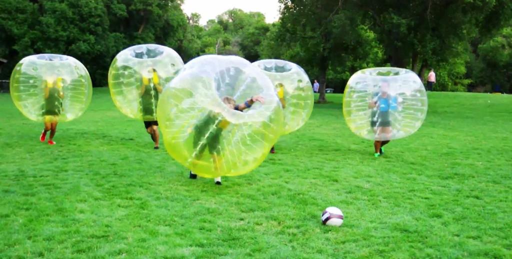 これはすごく面白そう!!アトラクションのようなスポーツ「バブルサッカー」